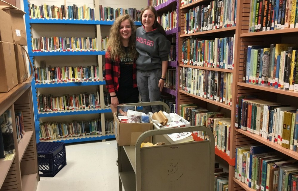 Chagrin Falls High School Students Enjoying Time as Library Aides in Innovation Center