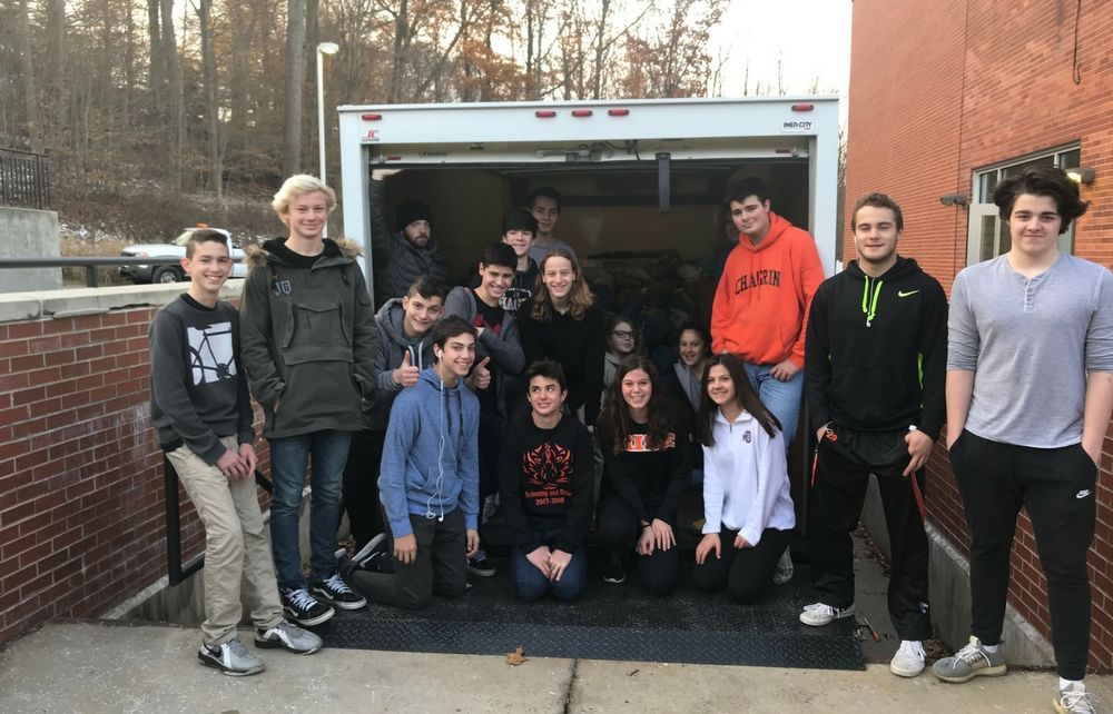 Chagrin Falls High School Collects Large Food Donation for Thanksgiving Food Drive