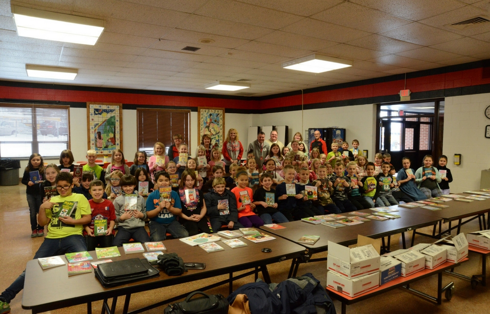 Local Organizations Donate Books to Students at Local Elementary Schools