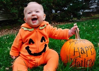 baby with pumpkin home