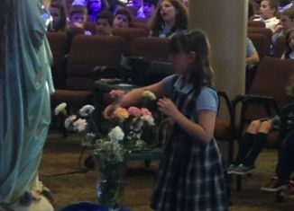 NDES Celebrates May Crowning with a Mass and Special Volunteer Breakfast